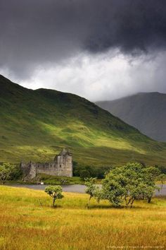 Kilchurn Castle, northeastern end of Loch Awe,  Argyll and Bute, Scotland.