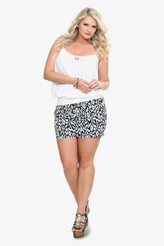 Full Bodied Fashion lots of plus size styles and ideas and sites to visit