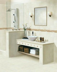 El color crema en decoración Bathroom Sink Units, Bathroom Storage, Bad Inspiration, Bathroom Inspiration, Modern Bathroom, Small Bathroom, Bad Styling, Bathroom Styling, Bathroom Renovations