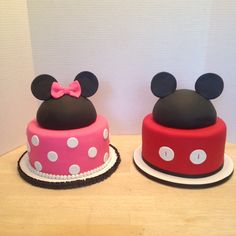 Mickey and Minnie Mouse hat cakes