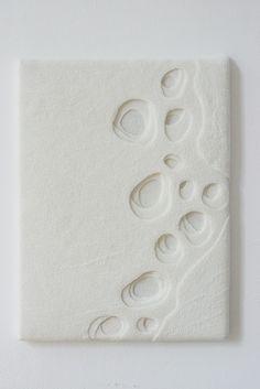 Sneeuwsporen- Merinowol, zijde gevilt 4 lagen 60 x 46 x 4, © 2011, verkocht by miriam verbeek