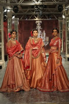Tarun Tahiliani Bridal & Couture Collection 2016 at ICW Big Fat Indian Wedding, Indian Wedding Outfits, Indian Outfits, Indian Clothes, Indian Weddings, Desi Clothes, Ethnic Outfits, India Fashion, Asian Fashion