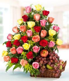 Esta hermosa canasta contiene 3 docenas de rosas surtidas y frutas de temporada. Sin duda alguna un regalo ideal para cualquier ocasion.
