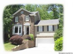 Looking for a spacious family home in Vestavia school district?? Don't miss this one! #restarz #homesforsale #bham