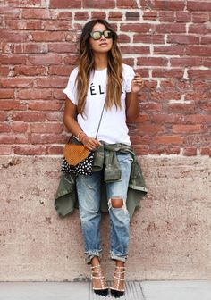 Baggy pants paired with sexy casual heels take the boyfriend's closet look great.
