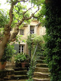 54 Ideas House Entrance Exterior Provence France For 2019 Beautiful Gardens, Beautiful Homes, Beautiful Places, Provence France, Peaceful Places, French Country, Country Style, Country Life, Country Living