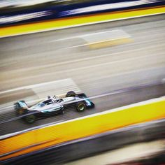 """#LewisHamilton P5: """"The tyres aren't working on our car. It's very strange. The goal is still to win."""" #SingaporeGP #F1NightRace #Quali #Qualifying #F1 #Formula1 #Mercedes by f1"""