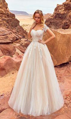 Oksana Mukha Wedding Dresses 2018 Mariella / http://www.deerpearlflowers.com/oksana-mukha-wedding-dresses-2018/