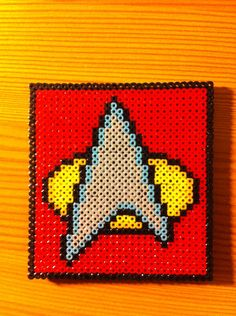 New Crochet Blanket Star Stitch Perler Beads Ideas Perler Beads, Fuse Beads, Fuse Bead Patterns, Perler Patterns, Cross Stitch Patterns, Crochet Patterns, Diy Star, Star Trek Gifts, Hama Beads Design