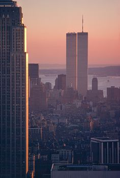 New York, New York City, Empire State Building and Twin Towers, World Trade Center, Lower Manhattan Skyline cityphotography Manhattan Skyline, Manhattan New York, Lower Manhattan, Ny Skyline, World Trade Center Nyc, Trade Centre, Cities, Concrete Jungle, Viajes