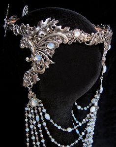 MADE TO ORDER only ( allow 3 weeks for the manufacturing )  Elven Crown Arwen : it is composed of a sturdy headband decorated with silver plated