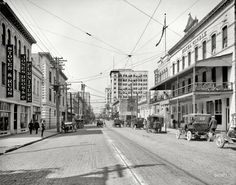 "Jacksonville, Florida, circa 1910. ""Forsyth Street west from City Hall."""