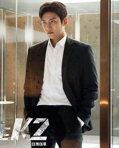 I love his role in this drama.