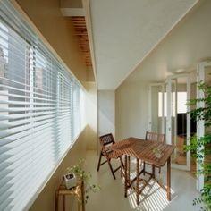 積窓居 Show Window Houseの部屋 インナーテラス 上部は格子で空気が循環する