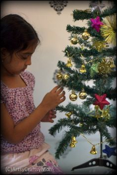 DIY Paper Christmas Tree Ornaments - These paper ornaments are kid-friendly and easy , Homemade crafts for kids to make and many more ideas for Christmas