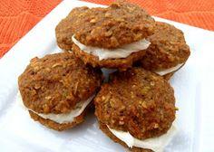 Cookin' Cowgirl: Carrot Cake Oatmeal Cream Pies