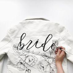 Leren jas over je trouwjurk