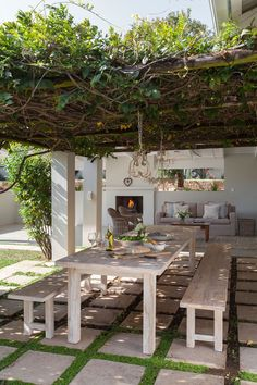 As the owners of this Parkview family home love to entertain, they wanted an easy flow between the covered patio and the rest of the living areas. pergola metal Outdoor inspiration: A practical covered patio