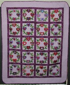 Ring of Hearts bed quilt