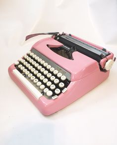 1950 Smith and Corona Sterling in Pink Serviced with New Typewriter Ribbon Installed Make and Model: Smith Corona Sterling Country: United States of America Color: Blue Year of production: 1950s Weight in case: 17 pounds Weight outside case: 15 pounds  afflink for etsy