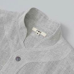This is such a beautiful collar detail. Neck Designs For Suits, Neckline Designs, Dress Neck Designs, Collar Designs, Designs For Dresses, Gents Kurta Design, Boys Kurta Design, Kurta Neck Design, Kurta Designs
