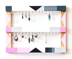Hey, I found this really awesome Etsy listing at https://www.etsy.com/es/listing/183379187/earring-display-organizer-pink-gray