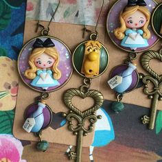 Our goal is to keep old friends, ex-classmates, neighbors and colleagues in touch. Crea Fimo, The Black Cauldron, Biscuit, Alice In Wonderland, Photo Art, Polymer Clay, Character Design, Chibi, Kawaii
