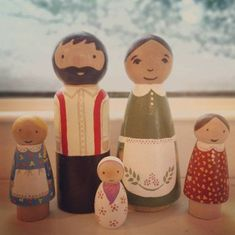 Little House on the Prairie Peg Doll Set// by PunchandJudyPegs Wood Peg Dolls, Clothespin Dolls, Wood Toys, Diy Arts And Crafts, Wood Crafts, Crafts For Kids, Diy Crafts, Crochet Christmas Garland, Pretty Pegs