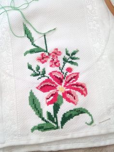 Hat Patterns, Needlework, Cross Stitch, Embroidery, Cross Stitch Borders, Embroidered Towels, Paths, Vestidos, Ideas
