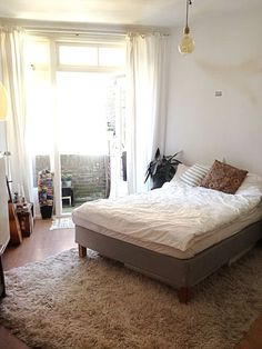 Room with balcony 50 meters from the beach! - Apartments zur Miete in Den Haag