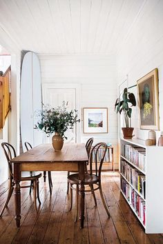 Kardashian Home Interior good reads: surf shack by nina freudenberger. / sfgirlbybay Home Interior good reads: surf shack by nina freudenberger. Surf Shack, Beach Shack, Dining Room Design, Dining Room Table, Vintage Dining Tables, Vintage Chairs, Dining Set, Vintage Decor, Dining Chairs