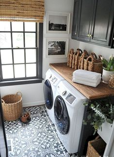 Cool 35 Small Laundry Room Decorating Ideas https://homemainly.com/1147/35-small-laundry-room-decorating-ideas