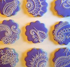 Mehndi {Henna} Inspired Cookies. Would be awesome for a mehendi! I actually love the idea of doing a color other than brown :) But if you're into all natural food and don't want colored sugar cookies, you could always mix some cocoa in the batter for a chocolate cookie and ice it white.