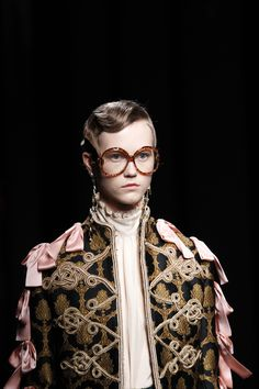 BOW DETAIL Gucci Fall 2016 Ready-to-Wear Fashion Show Details