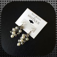Mystique Earrings Beautiful earrings brand new Mystique Jewelry Earrings