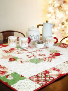 Fabric Projects Archives - Page 6 of 163 - Therm O Web Table Topper Patterns, Quilted Table Toppers, Quilted Table Runners, Deco Foil, Cool Tables, Little Valentine, Christmas Embroidery, Christmas Quilting, Dresden Plate