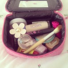 all ya need Love Makeup, Makeup Tips, Beauty Makeup, Makeup Stuff, Homemade Beauty Products, Makeup Products, Hair Products, Mousy Brown, Make Up Storage
