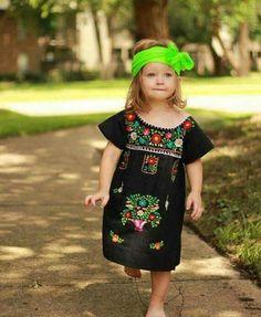 8d0913e2e4 Las 22 mejores imágenes de Vestidos Niña Bordados a Mano