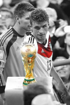 Football Icon, Football Is Life, Germany Football Team, Germany Team, Milan, Chelsea, Thomas Muller, Dfb Team, Fc Bayern Munich