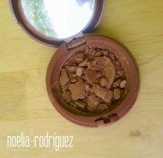 Noelia Rodríguez Maquilladora Profesional: TRUCO PARA ARREGLAR UN COLORETE O SOMBRA ROTO