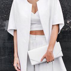 all white outfit Beige Outfit, All White Outfit, White Outfits, Minimal Fashion, White Fashion, Minimal Chic, Classic Fashion, Capsule Wardrobe, Monochrom
