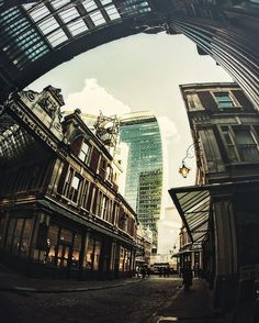 #leadenhallmarket is a must visit when in London even if only for the architecture and surroundings. #thisislondon