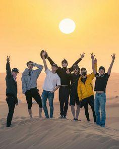 EXO the Kings un Dubai doing history 💜💜 Baekhyun Chanyeol, Park Chanyeol, Exo Chen, Exo Kai, Kpop Exo, Taemin, K Pop, Exo Album, Exo Cbx Album