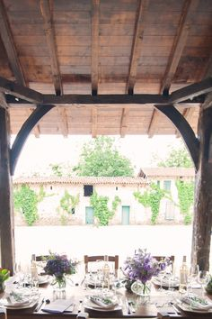 Shooting d�inspiration pour Monsieur et Monsieur au Chateau St Martory. Le theme: Organic green.photographe de mariage Toulouse.