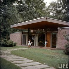 Ulrich Franzen - Straight forward, easy to build design. Beattie Residence - Rye, New York - 1958