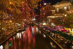On Black: From a bridge over the San Antonio River Walk by Patrick Houlihan [Large] Places To See, Places Ive Been, San Antonio Riverwalk, River Walk, Night Photos, Great Night, World Best Photos, Heaven On Earth, Old Houses
