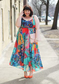 The most gorgeous, bright, colorful plus size maxi dress from City Chic! LOVE
