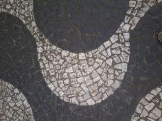 Simetria, contraste, agrupamentos.