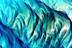 A splash of #EarthArt over the #Bahamas!    Scott Kelly (@StationCDRKelly)   Twitter