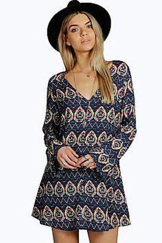 SARA V BACK WIDE SLEEVE SWING DRESS - £15.00 http://www.boohoo.com/restofworld/dresses/100s-of-dresses-for-ps15+under/icat/15-pound-dresses#esp_pg=25